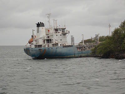 NP Unity aground